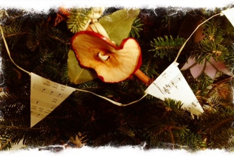 Music bunting and fruit ornament