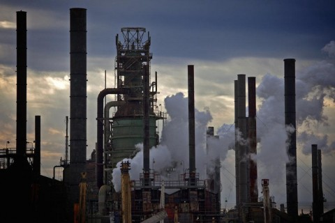 ExxonMobil smokestacaks-e41edc324fd98ee66ed863fd3180ea2540eb6bc7
